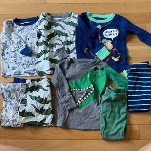 Lot 4 Carter's 12 month pajama sets